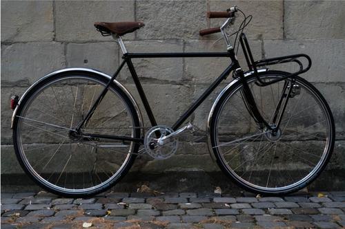 "Studio Brisant Stadtrad ""Glanz"" bike rental in Münster"