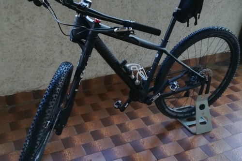 Location vélo CANNONDALE LEFTY à Garda