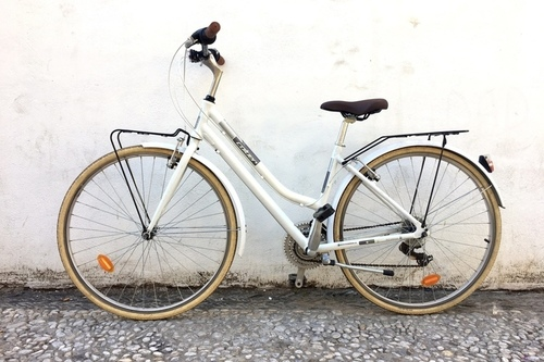 Coluer City Lady | One Size fietsverhuur Granada