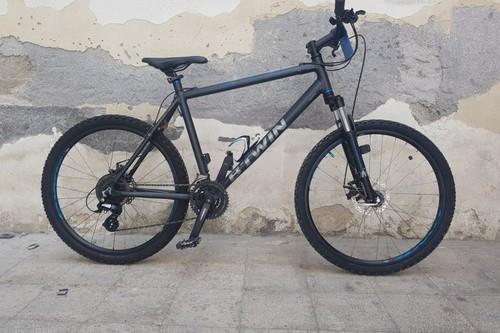 Alquiler de bicicletas B'Twin RockRider 500 en catania