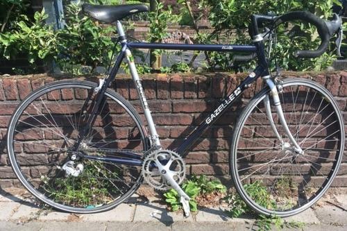 Gazelle Dutch bike rental in Amsterdam
