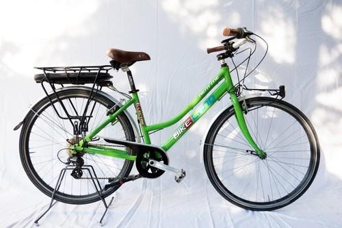 BKL E-City bike rental in Peschiera del Garda