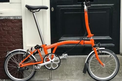Alquiler de bicicletas Brompton 2 Folding bikes Brompton en Amsterdam