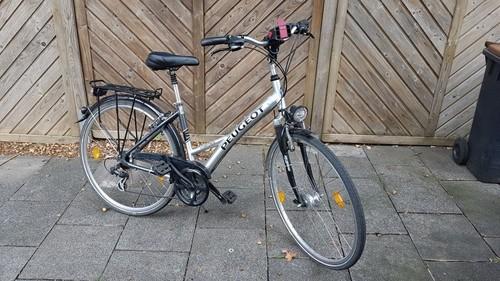 Peugeot Corona 7005 bike rental in Köln