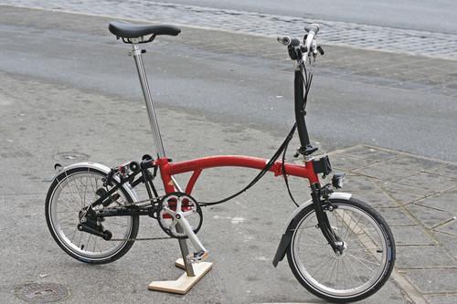 Brompton M6LD bike rental in Nürnberg