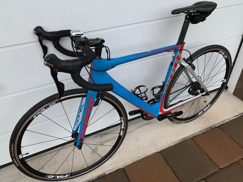 GIANT Propel Advanced 2S bike rental in Odenthal
