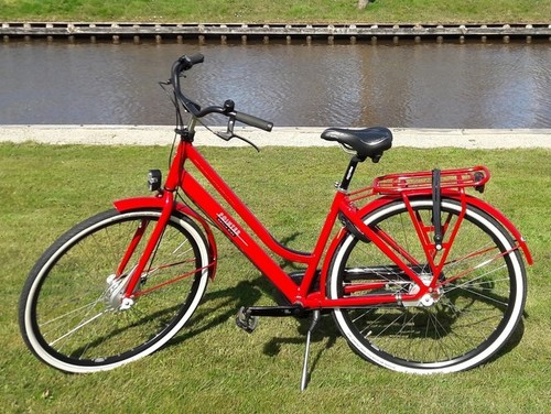 Cityline Pointer Noflike ride bike rental in Giethoorn