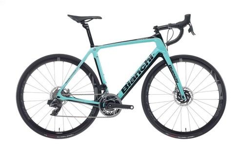 Alquiler de bicicletas Bianchi Infinito CV Disc di2 en Bellagio-Como