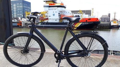 VanMoof S2 E-Touringrad bike rental in Cuxhaven