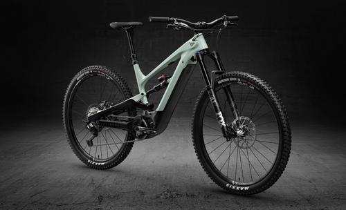 YT Industrie Decoy Pro 29 2020 bike rental in Stuttgart
