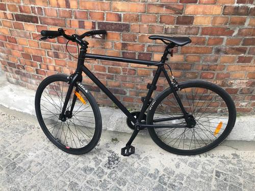 FIXIE Floater Black bike rental in Berlin
