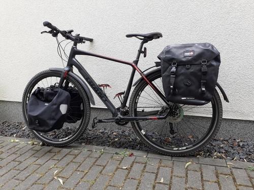 Giant Toughroad SLR1 bike rental in Köln