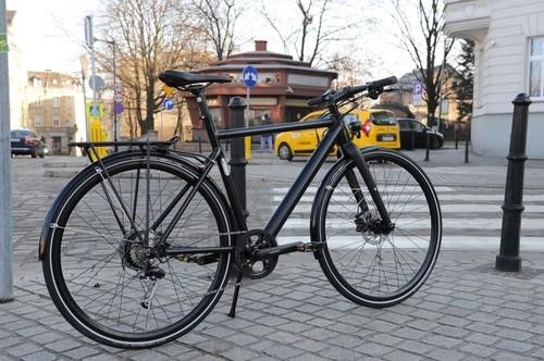 BZEN Milano Size L bike rental in Düsseldorf