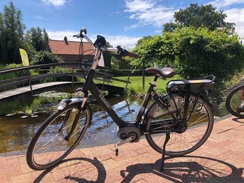 Gazelle E-bike luxe bike rental in Ouddorp