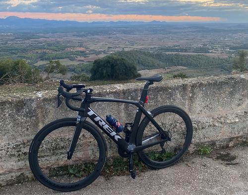 Alquiler de bicicletas Trek Madone SL6  en San Sebastián de los Reyes