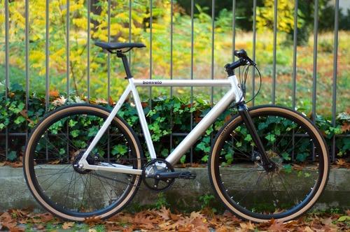 bonvelo Rakede Boost bike rental in Berlin