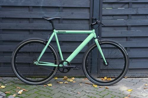 Bonvelo Blizz Velvet Green  bike rental in Berlin