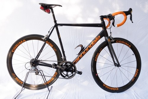 Location vélo Cannondale CAAD 12 à Peschiera del Garda