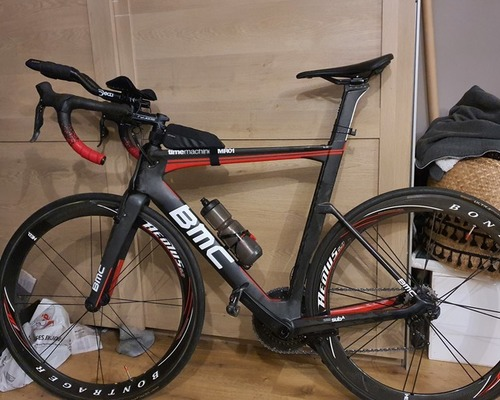 BMC TimeMachineRoad01 bike rental in Saint-Orens-de-Gameville