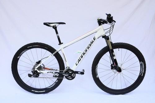 Location vélo Cannondale Mtb 29 à Peschiera del Garda