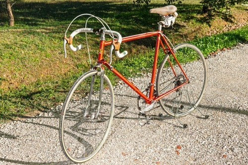Alquiler de bicicletas MORINI Morini Arancio 70s I L en Orentano-Pisa