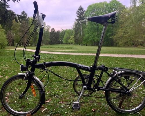 Brompton  Faltrad Schwarz 3-Gang bike rental in Lübeck