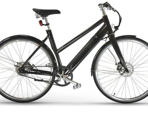 Friday Bikes E-Bike SIMPLY mat black bike rental in Leipzig