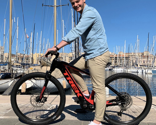 TREK Powerfly 5 bike rental in Marseille