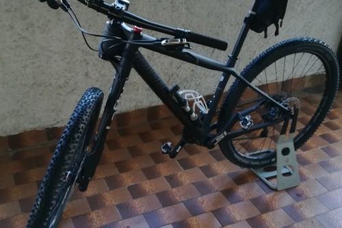 CANNONDALE LEFTY bike rental in Santambrogio di Valpolicella