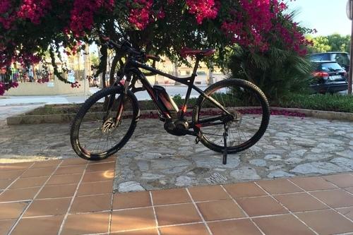 Alquiler de bicicletas Univega Summet E-MTB en Can Picafort