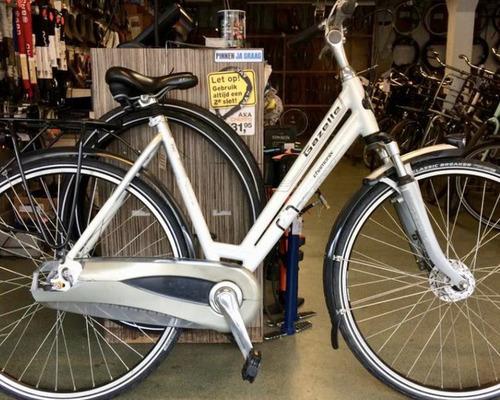 Alquiler de bicicletas Gazelle Bloom 28 en Breda