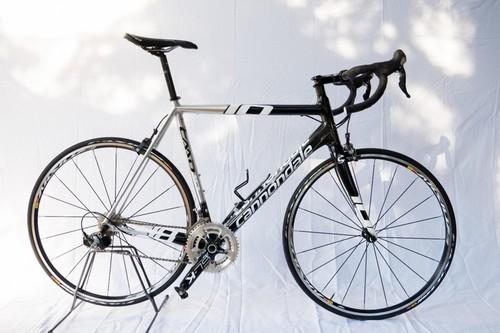 Alquiler de bicicletas Cannondale CAAD 10 en Peschiera del Garda