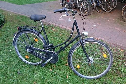 Alquiler de bicicletas Triumph Antje Black Dutch Bicycle en Berlin